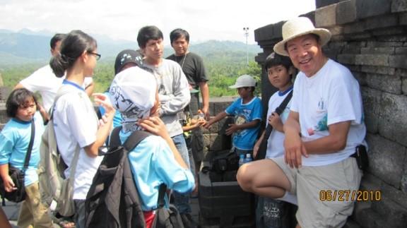 應天華 首位駕駛單引擎飛機繞地球一圈的華人